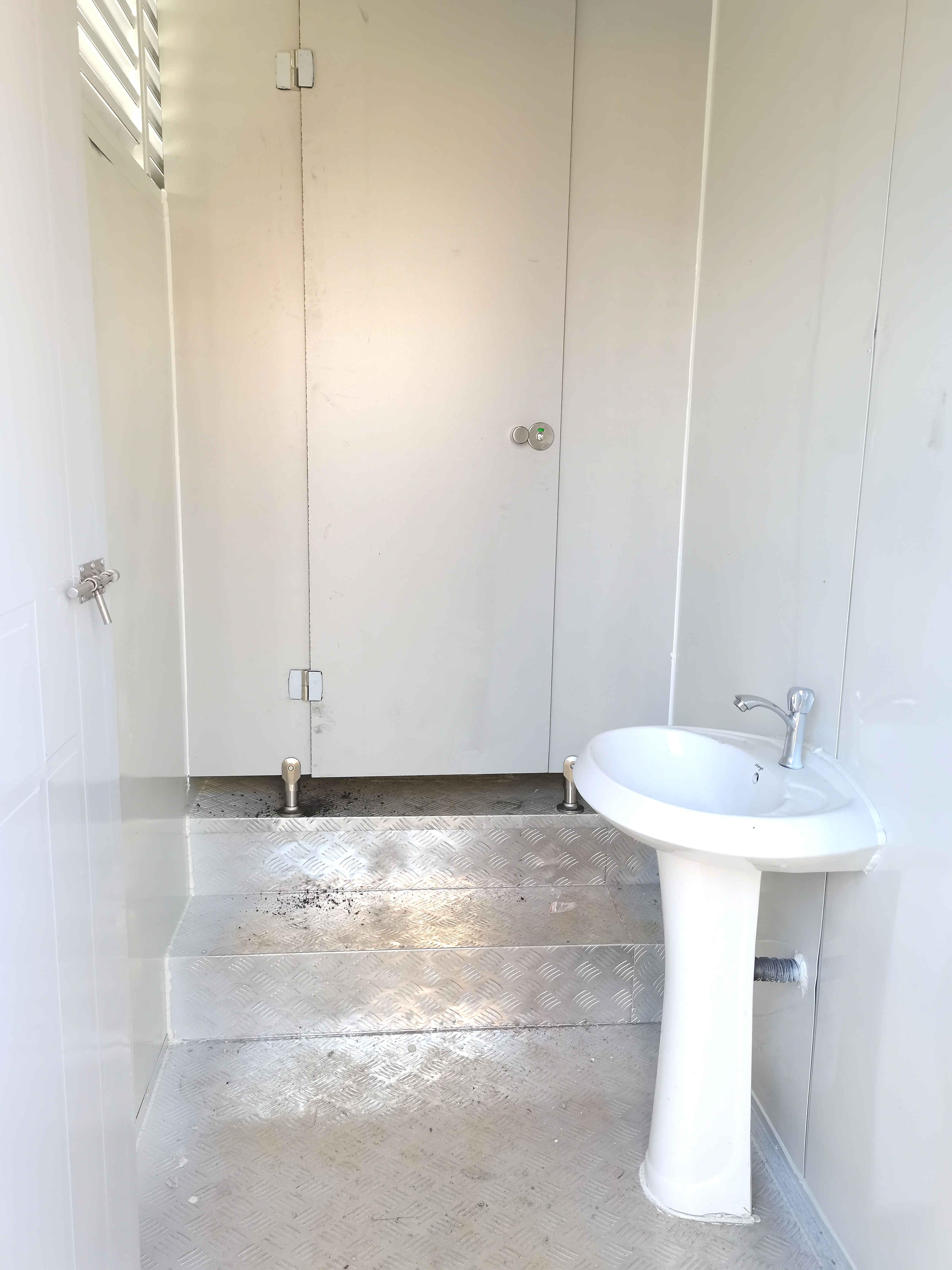 豪华公厕内部
